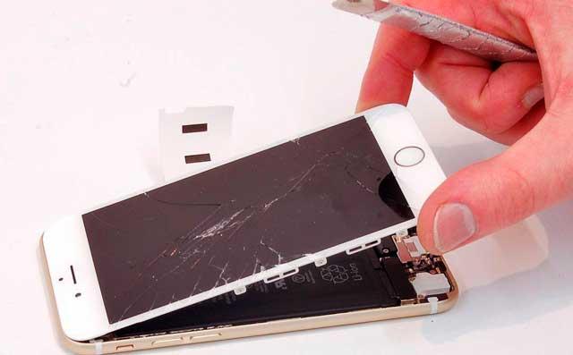 Причины поломки стекла iPhone 4 и 4s