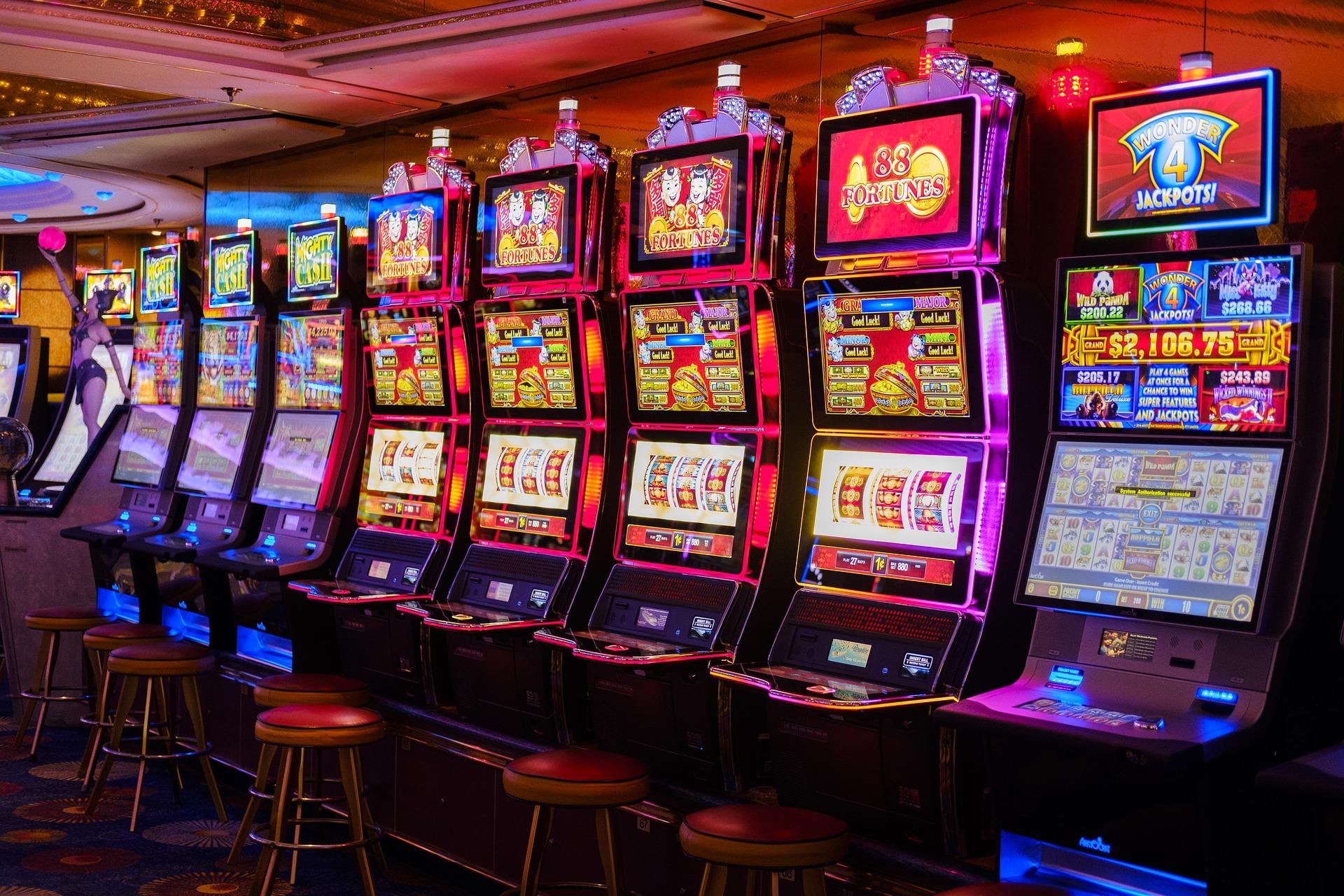 скачать игровые автоматы играть на деньги